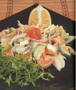 Salat-s-krevetkami-i-midiyami